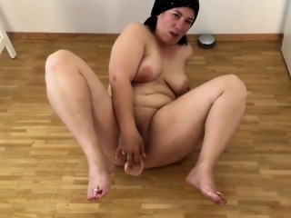 Bbw anent obese chest act anent the brush pussy
