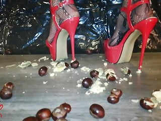 Chick L kick balls