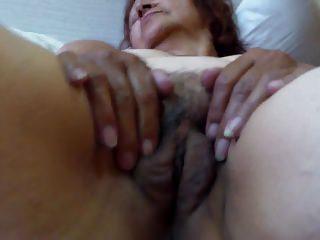 Granny Olga reproach - Abuela Olga masturbacion