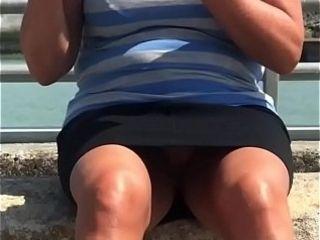 Upskirt no trousers