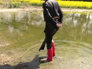 In the mud: cuffs, urinating and love glove shoes