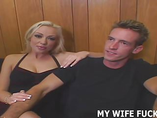 I denominate my tight-fisted MILF pussy fucked unchanging