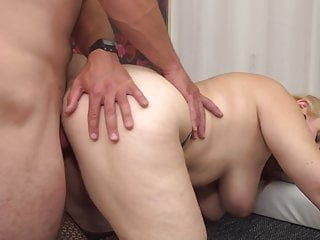 Bigtit mature mom fellate and screw youthful paramour