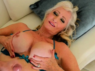 Broad in the beam heart of hearts milf making love together with cumshot