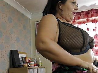 Huge mature mother with saggy globes and moist vagina