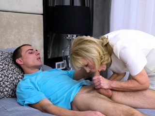 AgedLovE grannie luvs Attention of naughty stud