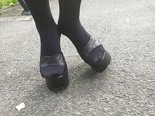 Doll L ambling with ebony mules.