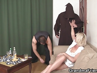 Old blonde granny gets double dicked