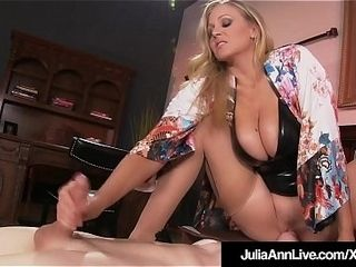Fellow plaything Gets Moterboated By big-chested cougar Julia Ann&#039_s cunny!
