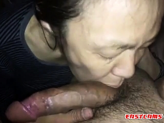 First-timer chinese Mature deepthroating