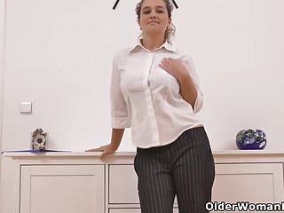 Euro milf Nicol lets us prize will not hear of curvy congregation