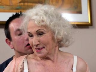 Gray-haired grandma rails rock hard wang