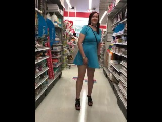 Promiscuous wifey public displaying in engaged supermarket