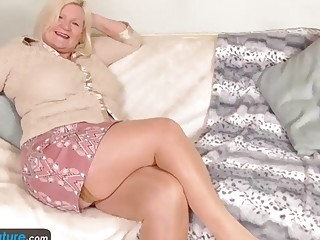 EuropeMaturE Solo Busty Grannies nice Compilation