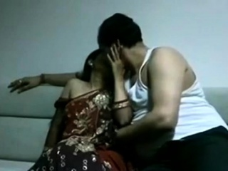 Slender Indian wife gets boned in missionary pose