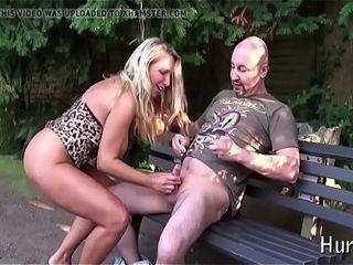 Une X-rated nurturer putain sur www.putains.cf baise open-air